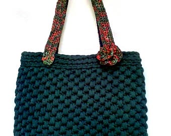 Ribbon bag with raffia handles