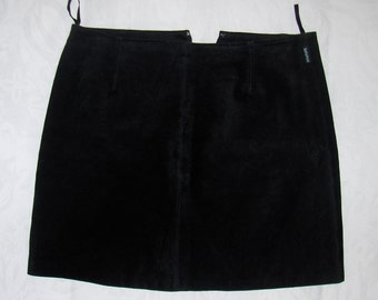 Vintage black suede leather mini skirt/ 1980s women's leather mini skirt size L
