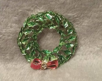 Vintage Christmas Wreath Holiday Pin Brooch