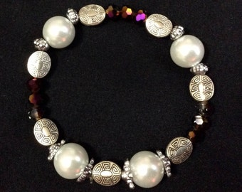 Maroon glass beaded stretchy bracelet