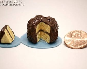 1:12 Scale Dollhouse Miniature Yellow Cake with Chocolate Frosting