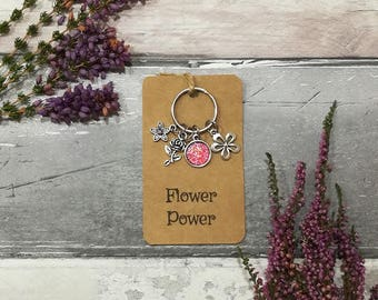 Flower Power Keychain, Flower Keychain, Flower Keyring, Personalised Keyring, Daisy Keychain, Gift for Mum, Daughter Gift, Key chain for Mum