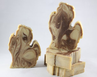 Michigan Shaped Michigan Made Soap - Beeswax Soap - Busy Bee - Quality, Luxurious, Vegan Oils