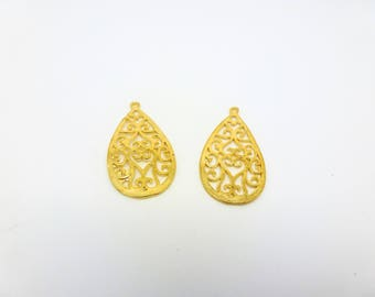 2 pendants 28 * 15mm Teardrop filigree gold tone (8SBD14)
