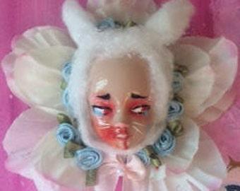 Pastel grunge-lolita bunny brooch