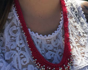 red and gold necklace, knitted necklace, knit necklace, fall necklace, statement necklace, rustic jewelry, holiday necklace