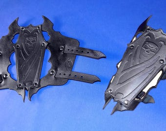 Leather Vampyr Coffin Tri-Panel Bracers