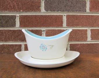 Taylor Smith Taylor Boutonniere Ever Yours Open Sauce Gravy Boat with Underplate