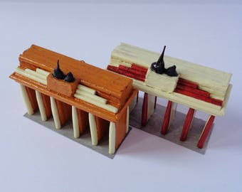 1 piece, Tot.: 2-Brandenburg Gate with toothpicks and hand painted (beige or brown)