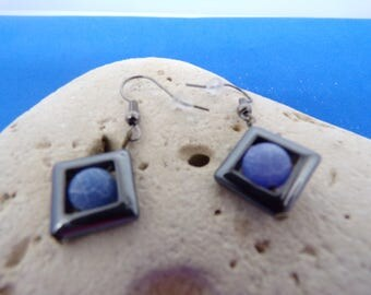 Hematite and agate earrings