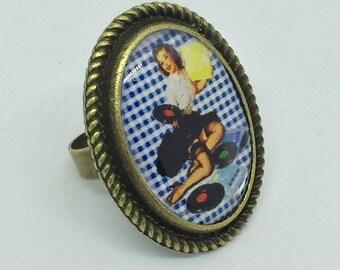 Ring blue gingham pinup