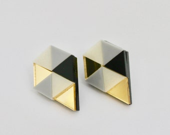 Loshiki Pentagon Grey Earrings