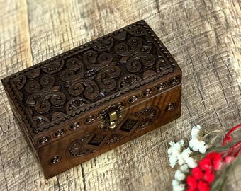 Jewelry box  Wooden jewelry box Jewelry storage Wooden box 5th anniversary gift Carved wooden box Sewing box Box with lid