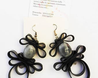 Earings in recycled inner tube with grey stones