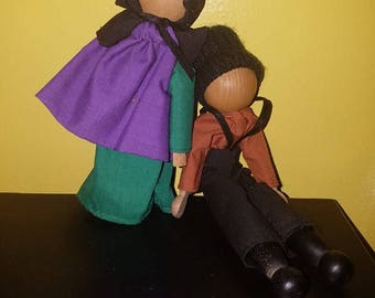 Amish Faceless Wooden Clothes Pin Dolls