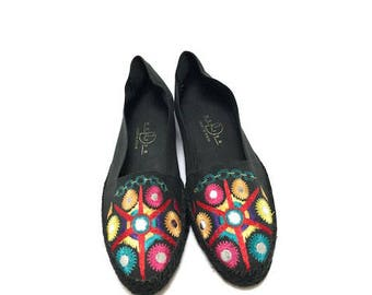 EMBROIDERED SPANISH ESPADRILLES - sz 10