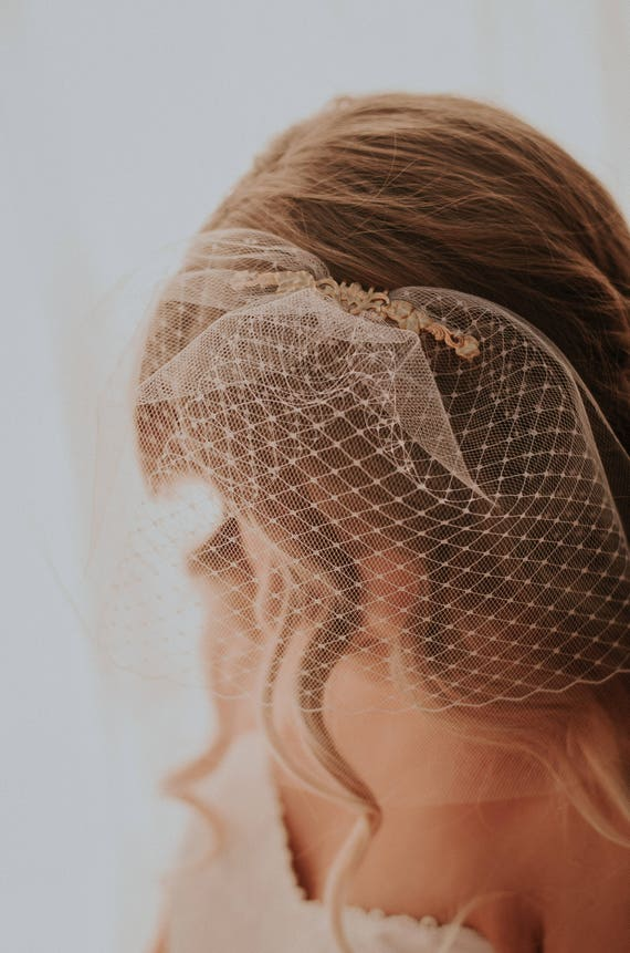 Tulle and netting blusher, Small double veil, brass and birdcage veil, Bridal netting blusher, Ivory or White net, Gold comb with flourish