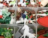 Mega Minis Vintage Miniatures/German Miniatures - 5+ oz per kit - IV3-3622- Fairy Garden Decor/Miniature Figures/Dollhouse Miniatures/Craft