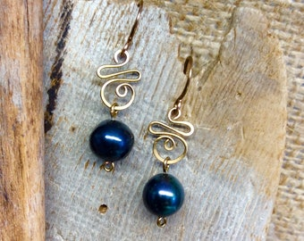 Black Pearl Wirework Dangle Earrings Antique Bronze     1.99 Shipping USA
