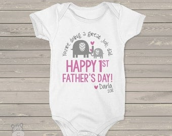 First Father's Day shirt or bodysuit - You're doing a great job dad - adorable 1st Father's Day gift from daughter MDF-090
