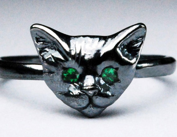 Black Sterling Silver Kitty Cat Ring with Emerald Eyes