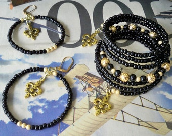 Set - New Orleans Saints Black Seed Bead Wrap Bracelet - Gold Metal Beads - Fleur de lis Charm - Memory wire - bycat