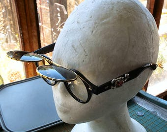 Round Customized Flip Up sunglasses, violet Scorpion, Steampunk,  thick plastic frames, retro, festival, cosplay, convention