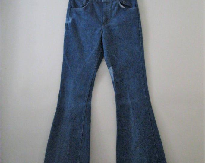 Vintage 70s Levi bell bottoms / Hippie Boho denim Unisex bell bottom jeans / Orange tab Levis 30 x 33