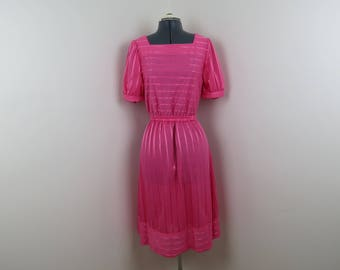 1980s Pink Stripe Day Dress - Vintage Easy to Wear Dress - Bust 36