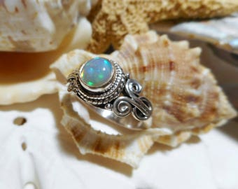 Sterling Silver Natural Opal Ring Cabochon Opal 4.04 grams Size 7.5