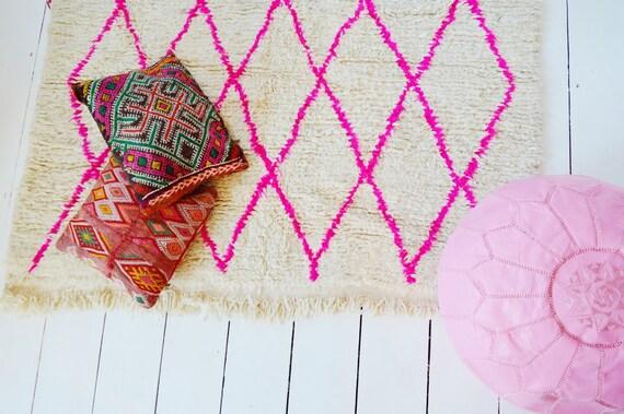 FREE SHIPPING>> Vintage Moroccan Pink Beni Ouirain Rug, Vintage,Moroccan Carpet,Hand Woven Rug, Bohemian Rugs, Xmas Gifts, 5.9 x 3.9 ft