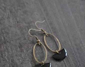Boucles d'oreilles pendantes, Boucles d'oreilles noires, Boucles d'oreilles blanches, Couleur bronze, Bijou boho, Coco Matcha