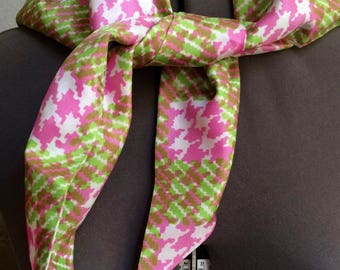 Vintage 1950s -60s Triangular Scarf Pink Green Houndstooth Check Mod -OS