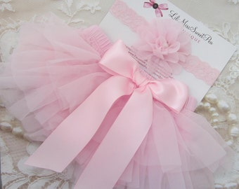 Pink Tulle Ruffle Bloomers with a Satin Bow AND/OR Lace Flower Headband, newborn photos, bebe, by Lil Miss Sweet Pea Boutique, fotografia