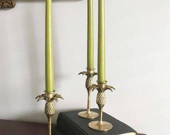 Pineapple Graduated Candleticks / Vintage Set of 3 in Brass / Hollywood Regency Decor