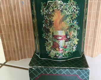 """Vintage 80's  """"SCALLOPED HOLiDAY TIN CAN."""" in Original Box - English Canister"""