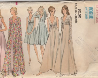 Lovely Nightgown & Robe Pattern Vogue 8171 Size 10