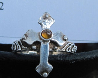 Cross Ring with Peridot Protection Stone Size 10