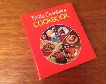 1974 Vintage Betty Crocker's Cookbook