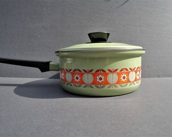 Vintage Pantry Queen Cookware, Heavy Duty Porcelain on Steel, Made in West Germany, 3 QT Saucepan NOS Enamel Pot, Green Orange Flower