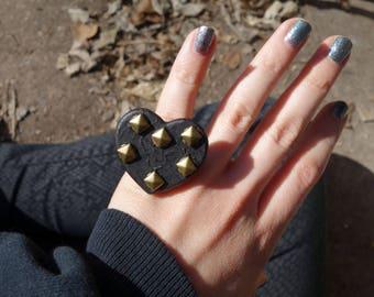 Studded Black Heart | Ring