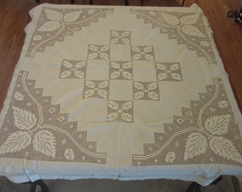 Table cloth, table cover, Filet lace, French table cloth, Ivory, High end dining, vintage dining, vintage decor, 1950s, wedding, shower
