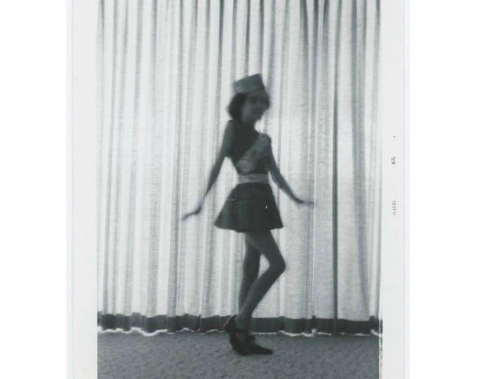 Vintage Photo Snapshot: Dancer, 1965 (77591)