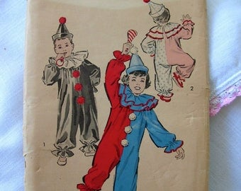 Clown Costume and Hat Halloween Fun Child Size 6-8 ADVANCE PATTERN 707 cut used complete vintage 1950s sewing pattern