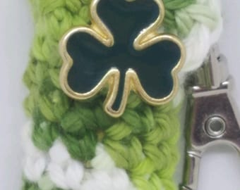 St Patrick's Day Lip Balm Holder - Shamrock Chapstick Case - Green and White Lip Balm Cozy Keyring - Gifts for Her - Irish