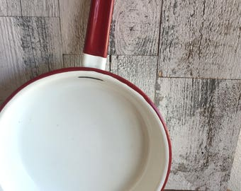 Vintage Enamel Pan Pot - White Red Chippy Enamel - Farmhouse - Urban - Cottage Chic Shabby - Vintage Kitchen Cookware - Pots and Pans