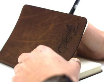 Leren notitieboekje / gepersonaliseerd dagboek - gegraveerd met persoonlijke tekst - cadeau voor hem/haar verjaardag, reizen, notebook