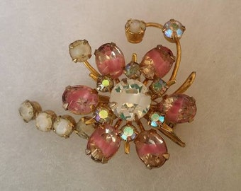 Vintage brooch pin pink and white glass beads by Coro