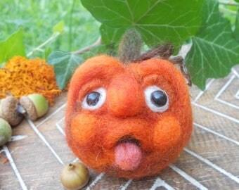 Pumpkin Decoration. Needle Felted Pumpkin. Halloween Pumpkin Face. Autumn, Fall, Thanksgiving Decoration. OOAK pumpkin. Cute Pumpkin Face