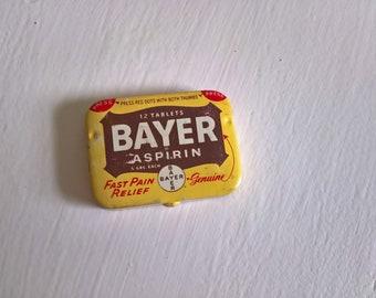Vintage Bayer Aspirin Tin --- Retro Pharmaceutical Medicine Collectible Pillbox --- Old Fashion Cool Kitsch Curio Shelf Bathroom Home Decor